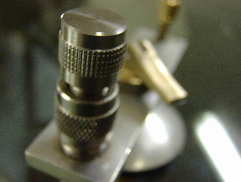 Технология ремонта трещин и сколов стекла